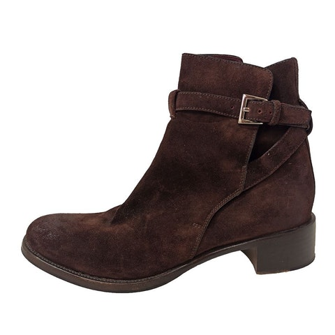 Brown suede boots with buckle