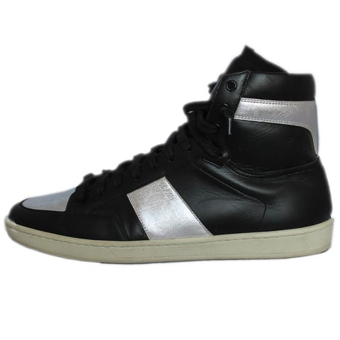 Black/white leather sneakers