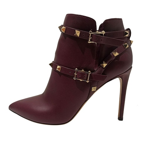 Bordeaux leather high heels