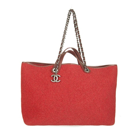 Chanel Red Large Pop Tote Quilted Felt Handbag Shopper bag. A very rare find!