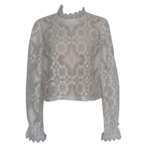 White lace long sleeves shirt