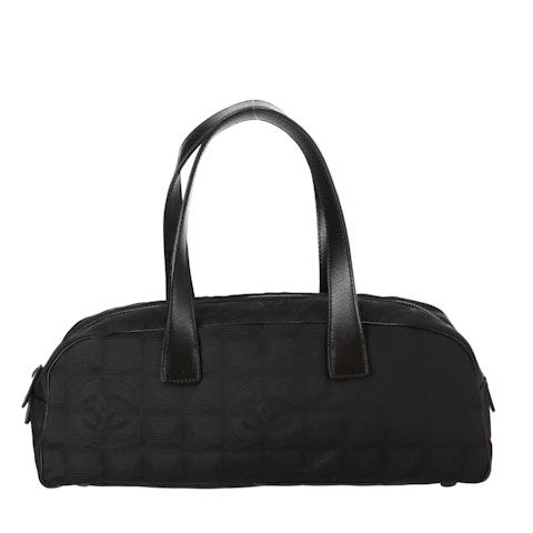 Black New Travel Line Shoulder Bag